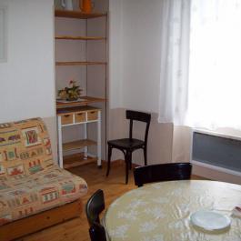 Coin salon avec canapé BZ studio Villa Bel Air Luz Saint Sauveur