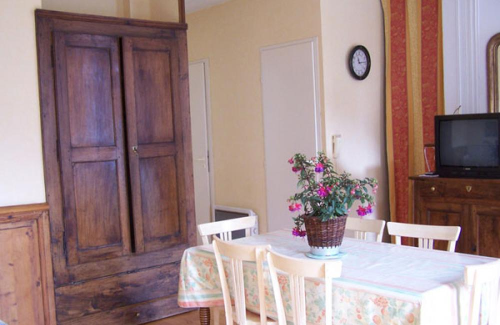 Coin repas appartement Villa Bel Air Luz Saint Sauveur