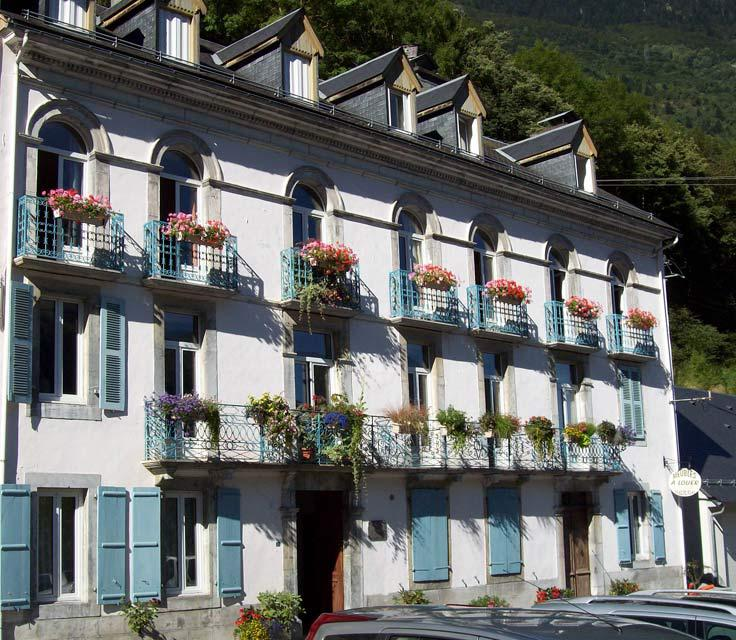 Façade ensoleillée Villa Bel Air Luz saint Sauveur